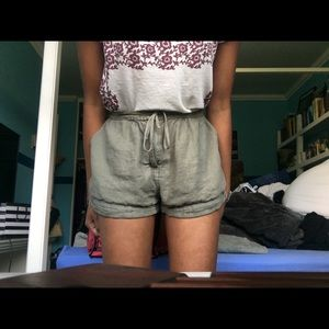 urban outfitters green shorts